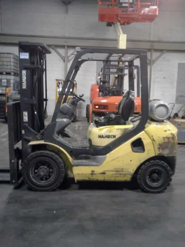 Pneumatic tire forklifts in New Holland & Boyertown, Pa